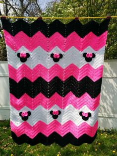 This is a made to order crocheted chevron blanket with either Minnie Mouse or Mickey Mouse details. Colors: Minnie- Chevrons in pink,