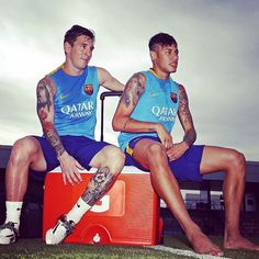 Lionel Messi, Javier Mascherano, Dani Alves and Neymar Jr completed their first day of the preseason this afternoon at the Ciutat Esportiva Joan Gamp. Neymar Jr, Messi And Neymar, Messi 10, Lionel Messi, Good Soccer Players, Football Players, Leo, Fc Barcelona Neymar, Barcelona Website