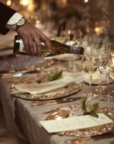David Tutera wedding decor, romantic elegance - like the color of the tablecloth and the silver chargers Elegant Dinner Party, Black Tie Affair, New Years Eve, Life Is Beautiful, Wonderful Life, Tablescapes, Table Settings, Thanksgiving, Food