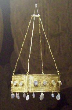Tesoro de Guarrazar. Corona votiva visigoda s. VII. Museo Arqueológico Nacional de España, Madrid