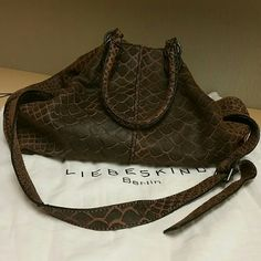 LIEBESKIND BERLIN BAG MAKE AN OFFER BARELY USED HIGH QUALITY BAG. HAS ABSOLUTELY BEAUTIFUL QUALITY AND DETAIL. VERY ROOMY FOR ALL YOUR ITEMS. Liebeskind Bags