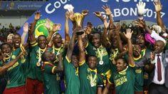 WinNetNews.com - Tidak diunggulkan menjadi kampium di Piala Afrika 2017, Kamerun sukses menjadi juara Piala Afrika 2017. Sempat ketinggalan di babak pertama, di babak kedua mereka bangkit untyk mengalahkan Mesir dengan skor 2-1. Melakoni pertandingan di Stade de l'Amitie, Libreville, Gabon, Senin (6/2/2017)