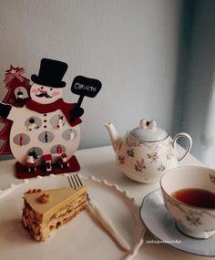 오후에 졸음은 달달한 모카케익 한조각과 홍차로 #baking #cakeshop #daily #dessert #❤️ #cake#모카케익#홍차#럽스타그램 #왜 안오시지 ㅠㅠ#르꼬르동블루#일상샷 #블로그공지#😁#파티쉐#커피#케익스타그램#instarfood#디저트스타그램#달달한 #디저트