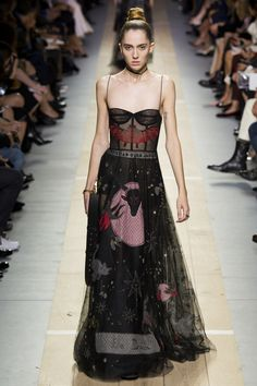 Christian Dior Spring 2017 Ready-to-Wear Fashion Show - Teddy Quinlivan
