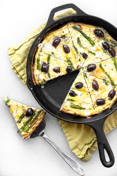 Asparagus and Goat Cheese and Olive Frittata ~ is there anything easier, and more comforting, than eggs for dinner? This is a convenient busy day meal that always feels like a treat to me. Cheese Frittata Recipe, Goat Cheese Recipes, Cheese Snacks, Cheese Bites, Best Egg Recipes, Real Food Recipes, Favorite Recipes, French Recipes, Brunch Egg Dishes