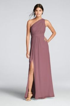 You'll love the feel of crinkle chiffon on this flowy floor-length bridesmaid dress with a one-shoulder neckline and an elegant skirt slit.   Crinkle chiffon dress features a one shoulder asymmetric neckline
