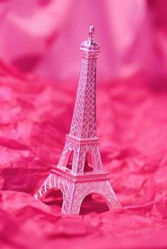 Paris in pink! Ok, the Eiffel Tower in pink. Pink Paris, Paris 3, Paris France, Pretty In Pink, Pink Love, Perfect Pink, Couleur Fuchsia, Magenta, Pink Purple