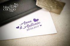 Timbri personalizzati col logo del tuo matrimonio o i vostri nomi. Wedding stamp. Vuoi saperne di più? Vai su http://www.bluecuckoostudio.com/