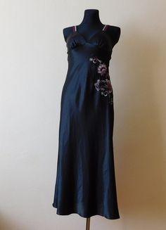 Kup mój przedmiot na #vintedpl http://www.vinted.pl/damska-odziez/bielizna-inne/14576106-presence-czarna-dluga-koszula-nocna-38