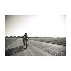 Freedom #instagood #instadaily #instaphoto #instaportrait #blackandwhite #photooftheday #moto #motorcycle #motorbike #friends #friendship #freedom #bikeride #biker #instabike #bikeporn #instamoto #matteomora