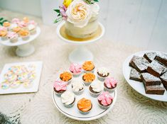 La Tavola Fine Linen Rental: Mika Champagne over Nuovo Champagne | Photography: Elyse Hall Photography, Venue: Flourish AZ, Event Planning: Mandy Maire Creative, Florals: Bloom and Blueprint, Paper Goods: Maude Press, Rentals: Prim Rentals and Bright Event Rentals, Tabletop Rentals: Casa de Perrin, Calligraphy: They Call Me Spindles