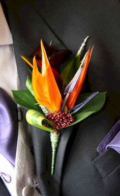 For unique wedding flowers, reach for birds of paradise. The tropical flowers co. For unique wedding flowers, reach for birds of paradise. The tropical flowers come in bright shades Bird Of Paradise Wedding, Birds Of Paradise Flower, Paradise Garden, Spring Wedding Flowers, Floral Wedding, Gold Wedding, Elegant Wedding, Tropical Flowers, Exotic Flowers