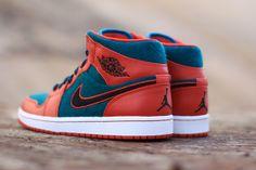 AIR JORDAN 1 (RED/DARK SEA) | Sneaker