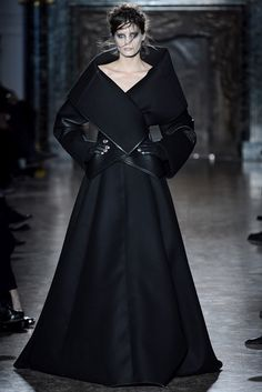 Gareth Pugh Fall 2013 Ready-to-Wear Collection Photos - Vogue
