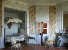 Alcôve et lit à la polonaise Source Château d 'Ansouis Photos Patrice Binet.