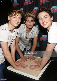 ricky-garcia-emery-kelly-and-liam-attridge-of-the-band-forever-in-picture-id545155462 (715×1024)