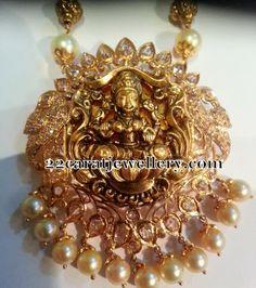 Jewellery Designs: Lakshmi Peacock Pachhi Pendant