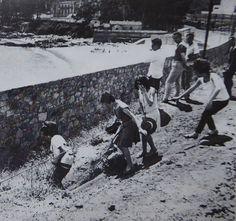 Acceso a la antigua Playa de Oza (En: Revista Os Castros).