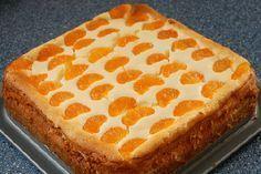 Leckerer und einfacher Käsekuchen - Rezept mit Mandarinen und Mandel-Boden German Baking, Cake Recipes, Dessert Recipes, Baking Party, Bread Cake, Cupcake Cookies, Healthy Desserts, Baked Goods, Food To Make
