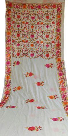 Off White Kashmiri Aari Work Georgette Saree Silk Saree Banarasi, Crepe Saree, Georgette Sarees, Cotton Saree, Hand Embroidery Design Patterns, Aari Embroidery, Embroidery Suits, Indian Embroidery, Kashmiri Shawls