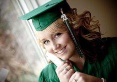 Senior picture ideas Graduation photos 16.jpg