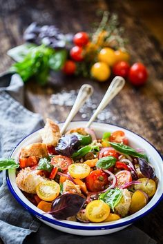 This Panzanella Salad made with ripe and juicy tomatoes, crusty ciabatta and fragrant basil is the best of the summer offerings!