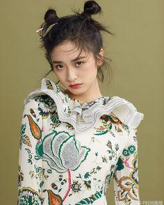 SHEN YUE    #chineseactress #ShenYue #沈月 #shenyueidn Meteor Garden, A Love So Beautiful, Beautiful People, Asian Woman, Asian Girl, New Year Concert, Dramas, Ulzzang Korean Girl, Chinese Actress