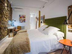Almodovar bedroom. Caravan Cinema hotel, Bilbao