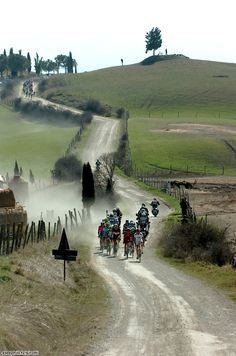 Strade Bianche - Rapidly climbing up my list of favourite one-day races.  Beautiful countryside, coupled with great racing.  What more could you ask for?    How about a dominating performance from Cancellara? The man is a legend. So much power!