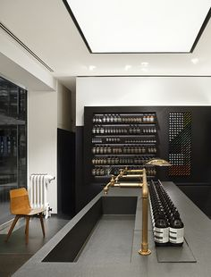 Aesop store in Stuttgart. Designed by Munich-based architecture group Dedicated to deliver superior interior acoustic experience. Interior Design Blogs, Design Exterior, Interior Exterior, Commercial Design, Commercial Interiors, Aesop Shop, Garage Metal, Architecture Design, Karim Rashid