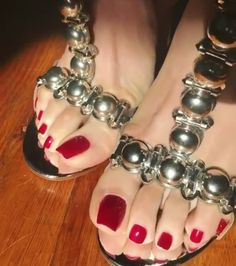 That is sexy. Nothing better than perfect toes in peep toe heels. Pretty Toe Nails, Cute Toe Nails, Pretty Toes, Feet Soles, Women's Feet, Red Pedicure, Nice Toes, High Heels For Prom, Foot Pics