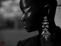 "divalocity: "" Art About Heart - La Maison Rouge Paris Model: Ataui Deng Photographer: Tibi Clenci "" Face Photography, Fashion Photography, Jamie Nelson, Free Makeup Samples, My Black Is Beautiful, Ebony Beauty, Beauty Photos, African Beauty, Naturally Beautiful"