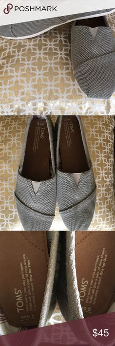 TOMS Men's Shoes NATURAL CANVAS MEN'S CLASSICS Sz 10.5. I bought these for my husband but they were too small. Whoops. So now they're yours! 😜 Toms Shoes Loafers & Slip-Ons