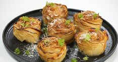 These pretty and delicious potato flowers topped with bacon butter will become your favourite side dish.
