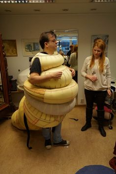 Foam fitting of what might be a Caterpillar costume from Alice in Wonderland. or a Jabba the Hutt from Star Wars! the Musical. Costume Tutorial, Cosplay Tutorial, Cosplay Diy, Halloween Cosplay, Halloween Fun, Halloween Costumes, Theatre Costumes, Cool Costumes, Cosplay Costumes