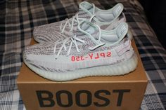 6f442654e5056 Adidas Yeezy Boost 350 V2 Blue Tint Size 10.5 MINT CONDITION 100% AUTHENTIC   fashion
