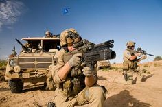 Members of the Austrian Army's Special Operations Unit (Jagdkommando) during Austria's EUFOR mission in Chad Sas Special Forces, Special Ops, Airborne Army, Delta Force, Pakistan Army, War Photography, United States Army, Troops, Soldiers