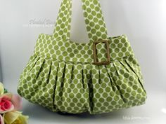 Love this site. So many cute bag patterns and more
