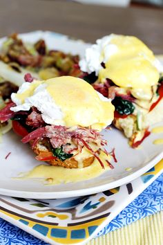 10 Awesome Eggs Benedict Alternatives: Pinning for the Eggs Roma sandwich with pesto and parm Breakfast Desayunos, Breakfast Dishes, Breakfast Recipes, Mexican Breakfast, Breakfast Sandwiches, Breakfast Options, Eggs Benedict Recipe, Egg Benedict, Omelettes