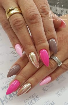 On average, the finger nails grow from 3 to millimeters per month. If it is difficult to change their growth rate, however, it is possible to cheat on their appearance and length through false nails. Gorgeous Nails, Love Nails, Fun Nails, Pink Nail Designs, Nails Design, Uñas Fashion, Gold Fashion, Latest Fashion, Nagellack Trends