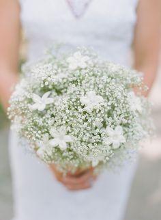 BABY´S BREATH and STEPHANOTIS - Megan & David | Blue and White Wedding in Savannah captured by Nina Mullins - via snippetandink