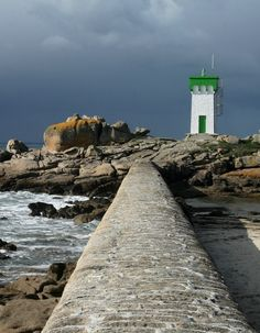 Tregunc ~ Pointe de Trevignon et son #Phare -= #Lighthouse ~ Finistère, Bretagne, #France http://dennisharper.lnf.com/