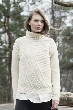 Classic cable pullover knitted in Novita Nordic Wool yarn features diagonal non-symmetrical cables that are knitted by changing directions. High polo neck makes the pullover casual and warm. Cable Knitting, Sweater Knitting Patterns, Knitting Designs, Knit Patterns, Knitting Ideas, Cable Sweater, Knit Sweaters, Vest Pattern, Free Pattern