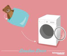 A force d'être promenés, les #doudous de vos bouts de chou ne sentent pas très bon et il faut évidemment les laver ! Notre #astuce pour qu'ils gardent toute leur douceur : mettre les doudous dans une taie d'oreiller pendant le passage en machine. #Lavage