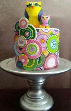 owl cake - for older girls take off the owls, love the circles.