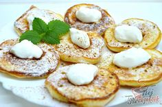 Snadné recepty – RECETIMA Low Carb Desserts, Dessert Recipes, Slovakian Food, Cooking Time, Cooking Recipes, Crepes And Waffles, Low Carb Pancakes, Sugar Free Diet, Czech Recipes