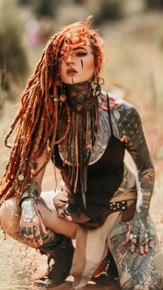 Dreads with beads and tattoos - not really messy but not tribal Model Tattoos, Sexy Tattoos, Body Art Tattoos, Tattoos For Women, Tattoo Women, Tattoo Girls, Girl Tattoos, Estilo Hippie Chic, Elfa