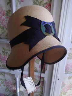 1920s FINE STRAW CLOCHE HAT