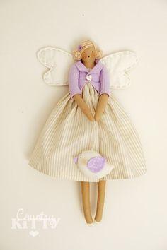 Countrykitty: Ago e filo/sewing Softies, Crochet Cap, Sock Animals, Bitty Baby, Waldorf Dolls, Fairy Dolls, Doll Hair, Soft Dolls, Beautiful Dolls