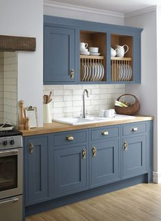 Grey Kitchen Cabinet with Wood Floor. Grey Kitchen Cabinet with Wood Floor. the Psychology Of why Gray Kitchen Cabinets are so Popular Farmhouse Kitchen Cabinets, Kitchen Cabinet Colors, Painting Kitchen Cabinets, Kitchen Redo, Home Decor Kitchen, Interior Design Kitchen, Home Kitchens, Kitchen Countertops, Soapstone Kitchen